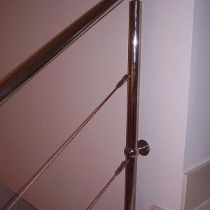 escalera con baranda en acero inoxidable superior