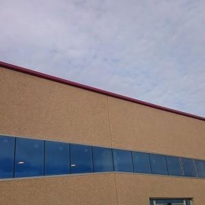 servicio carpintería fachada de Bodega Iniesta