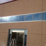 fachada ventanas aluminio Bodega Iniesta