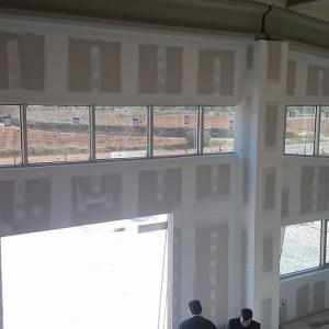ventanales de PVC en Bodega Iniesta