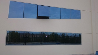 ventana abatible en Bodega Iniesta