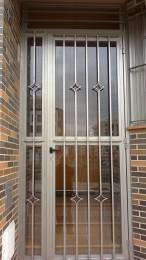 portal de casa en aluminio