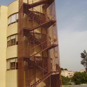 escaleras de incendios en hierro