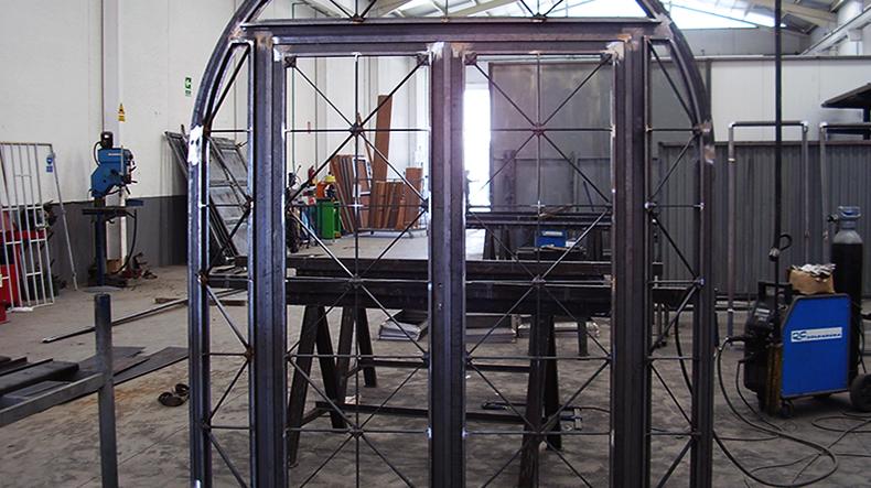 carpinteria en puertas metalicas
