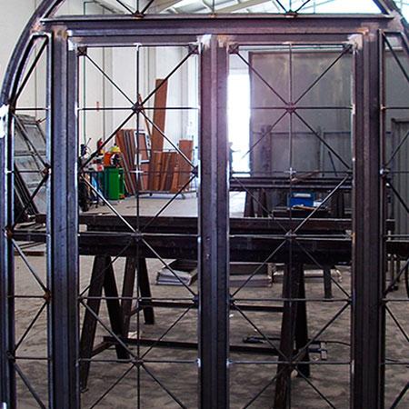 puerta-metalica-principal