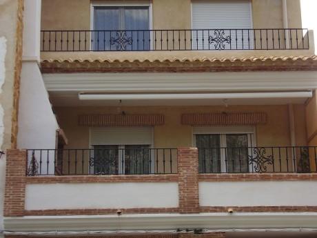 cerramiento balcones reja de metal
