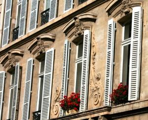 ventanas tipo mallorquina de aluminio